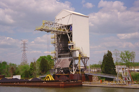 Grab Bucket Barge Unloader